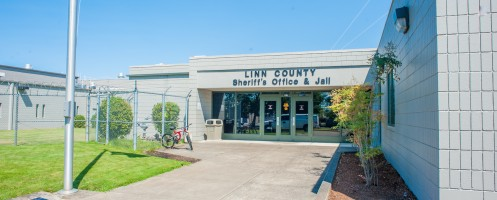 Entrance to the Linn County Sheriff's Office and Jail